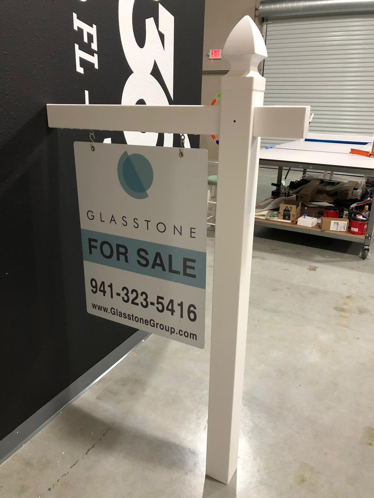 Real Estate Post Frames | White Vinyl PVC Post | Aluminum Signs | Real Estate Signs | Easy to Assemble | Orlando - FL