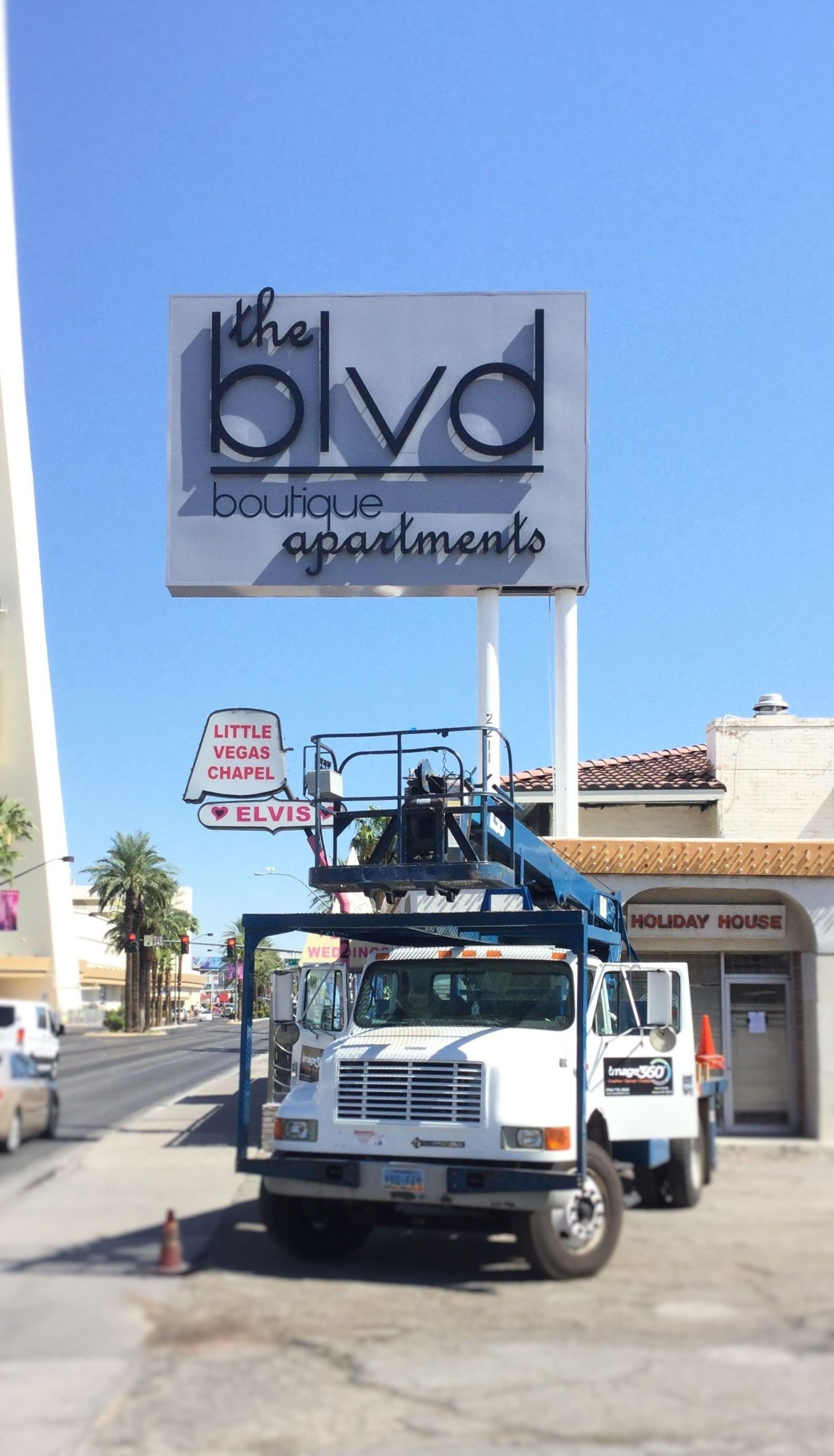 Exterior & Outdoor Signage | Pylon & Pole Signs | Property Management and Apartment Signs | Las Vegas