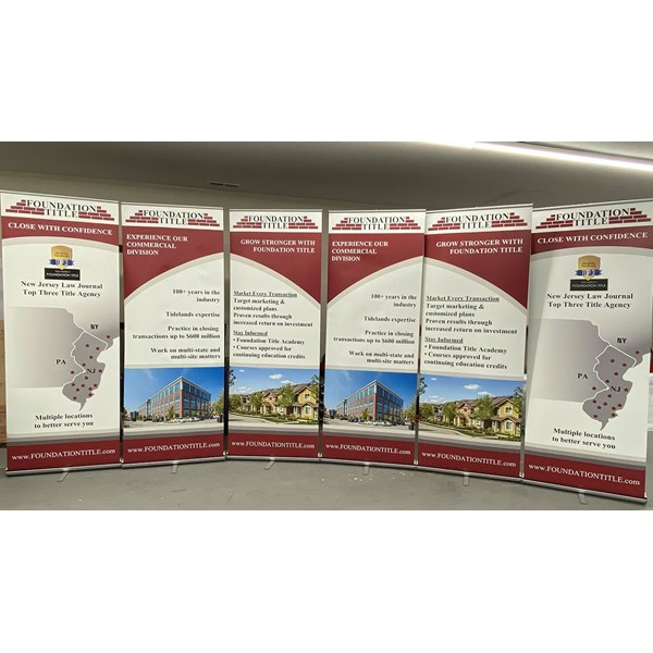 Sturdy retractable banners that will not tip over easily. Retract to pack away while taking up minimal storage space.
