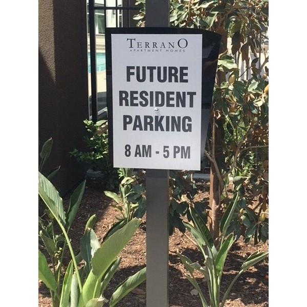 Resident parking signs for TerranO Dos Lagos, Corona, CA